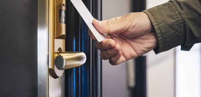 How It Works A HOTEL RFID CARD